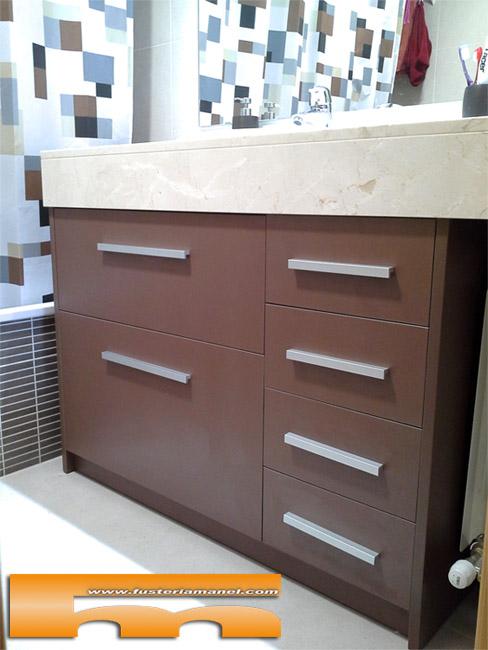 Mueble de ba o radiador a medida rubi elsa for Armarios a medida para banos