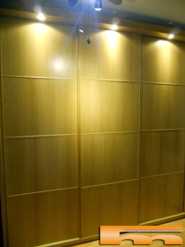 Puertas correderas barcelona puerta automtica de cristal for Puertas correderas barcelona