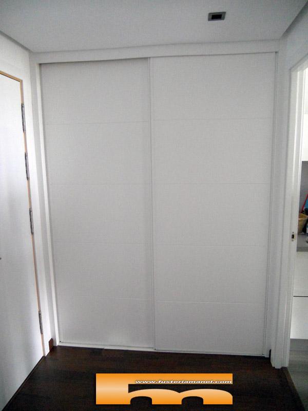Armario para recibidor elegant armarios recibidor moderno for Mueble perchero recibidor