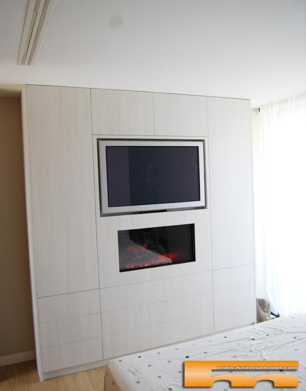Armario con chimenea y tv caldes laura for Muebles de pladur para salon fotos