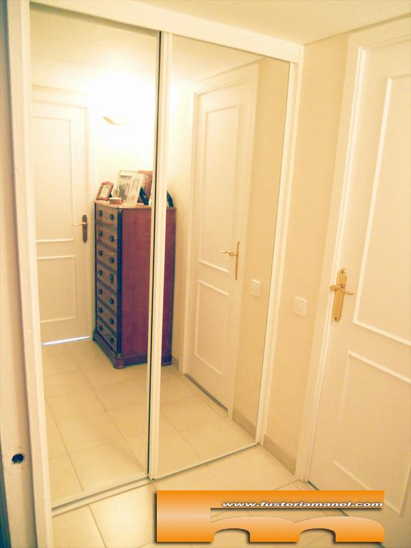 Armario a medida espejo barcelona javier for Armario con espejo