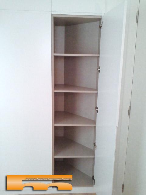 Interiores de armarios en esquina - Armarios empotrados barcelona ...