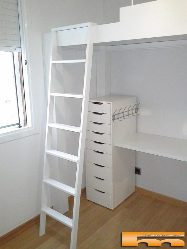Cama alta para habitaci n infantil compartida barcelona - Escaleras para camas altas ...