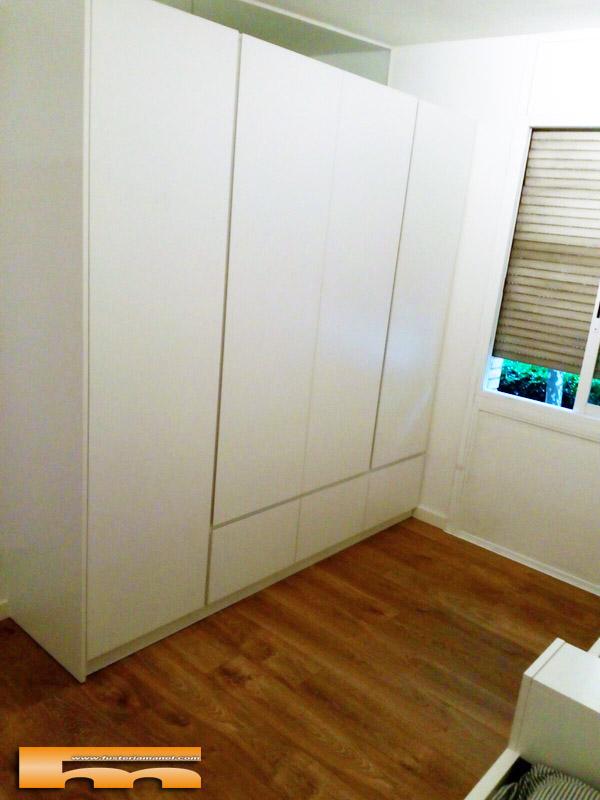 Camas a medida habitaci n triple infantil con armario for Camas nido medidas especiales