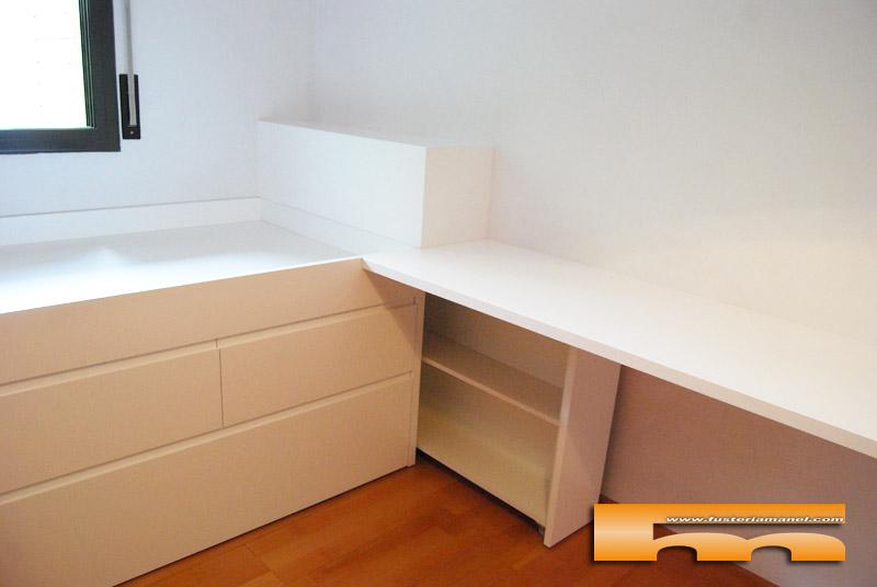 Cama lacada a medida habitaci n juvenil raquel barcelona for Medidas cama compacta