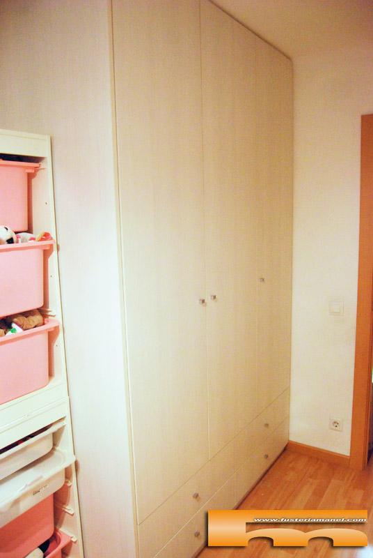 Habitaci n infantil armario y cama compacta triple anna for Armario habitacion infantil