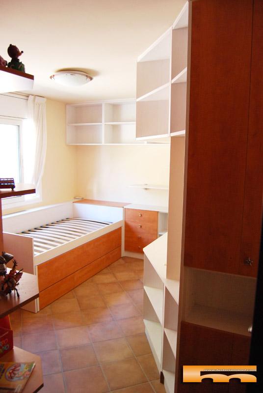 Habitaci n juvenil ni o cabezal mueble y cama compacta a for Medidas cama compacta