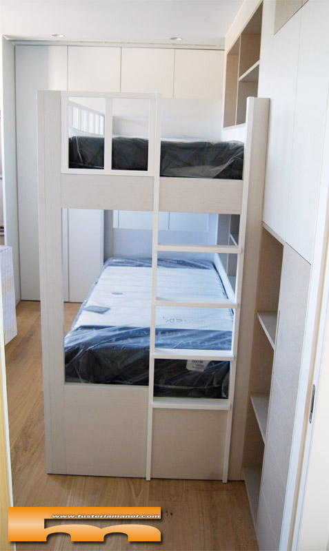 Litera a medida estanter a lateral habitaci n infantil caldes laura - Estanteria a medida ...