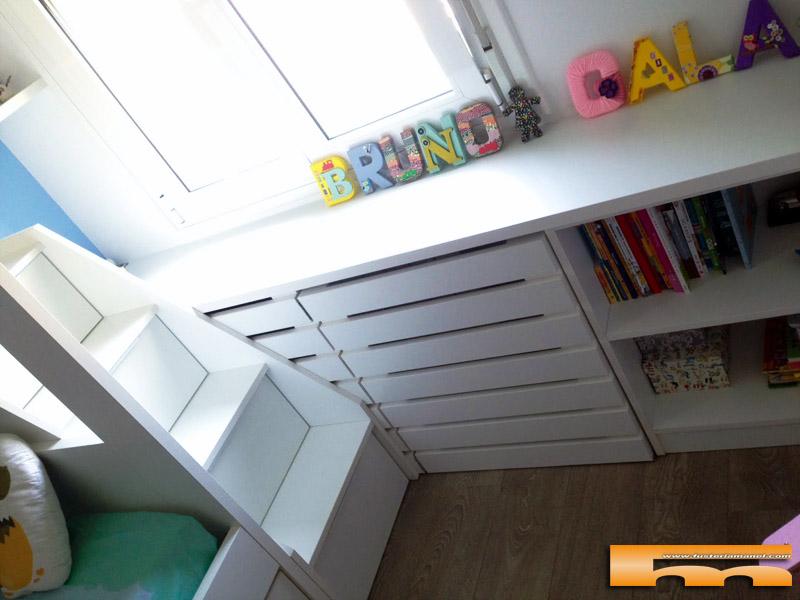 Litera escalera cajones habitaci n infantil barcelona for Mueble cubreradiador