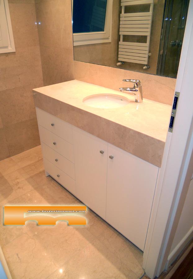 Armarios De Baño A Medida:Mueble baño a medida Lacado
