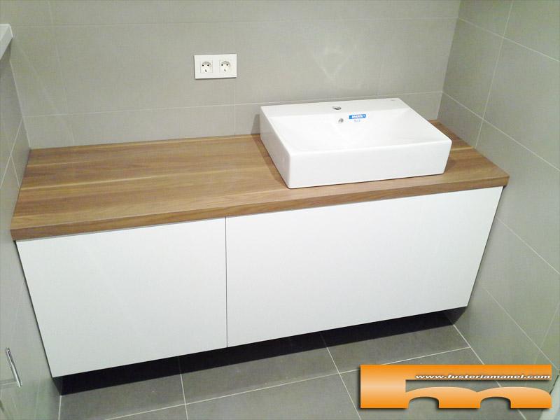 Mueble ba o a medida lacado brillo sobre formica madera for Muebles rubi
