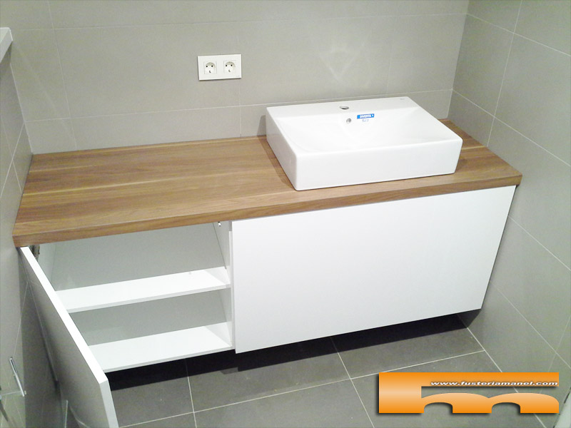 Mueble ba o a medida lacado brillo sobre formica madera for Mueble a medida