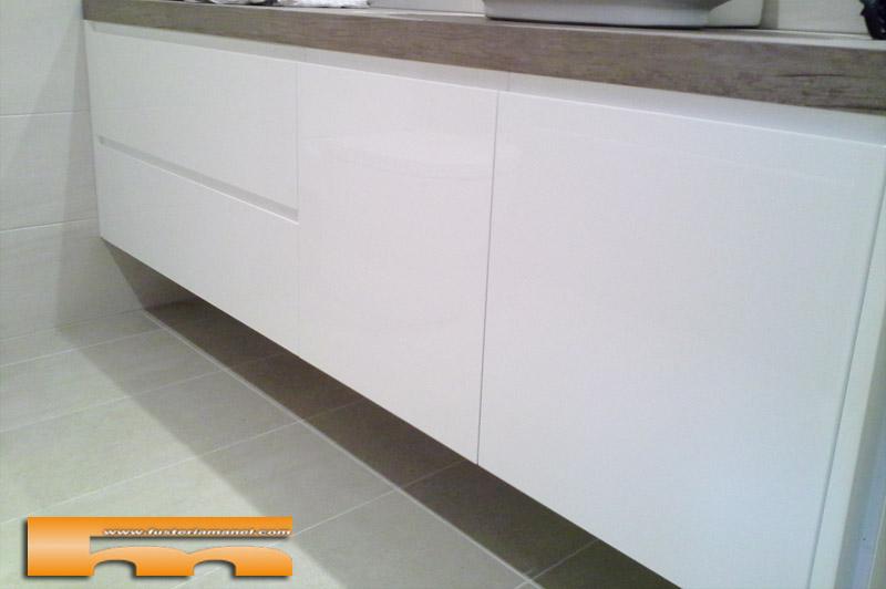 Mueble de ba o lacado brillo a medida barcelona jordi - Muebles lacados en blanco brillo ...