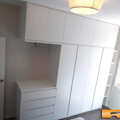 Armario-a-medida-con-comoda-estantes-columna-1-Lourdes-Cornella-Barcelona