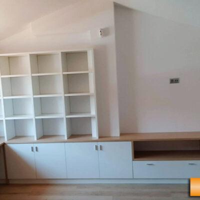 Estanteria_a_medida_mueble_multimedia_buhardilla_estudio_Veronica_Rubi_Barcelona