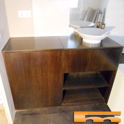 Mueble baño a medida lavadora apertura superior barcelona