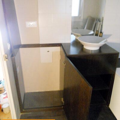 Mueble baño a medida lavadora apertura superior barcelona1