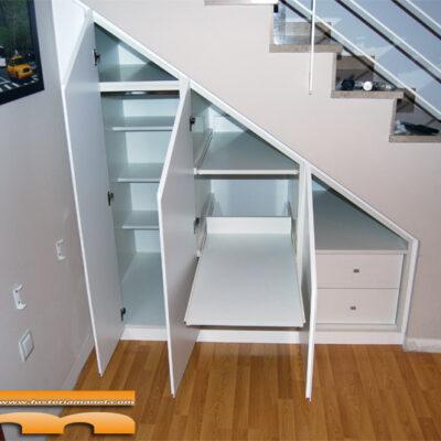 armario-a-medida-bajo-escalera-tuberias-Terrassa-Dani_interior1