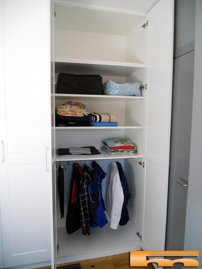 armario a medida juvenil lacado interior barcelona ester1