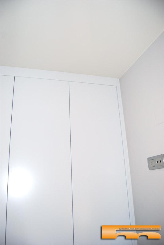 armario a medida lacado Diseño_Italiano_Sant cugat_Montse_cornisa
