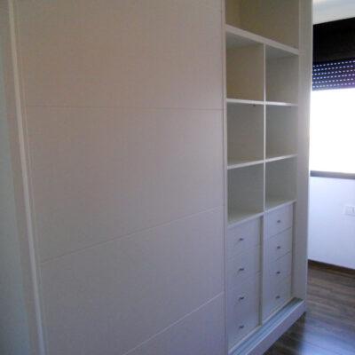 armario a medida lacado blanco pico gorrion correderas sabadell interior2 anna
