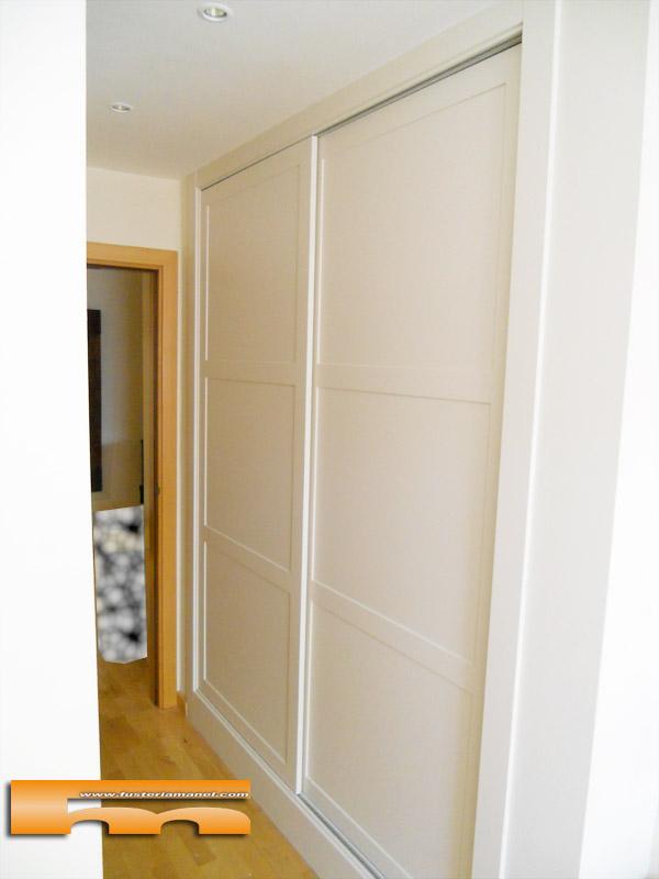 armario-empotrado-a-medida-lacado-moldura-castelldefels-eva-gral1