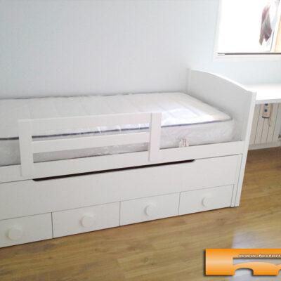 habitacion_infantil_niño_cama_lacada_Elisabet_Balsareny