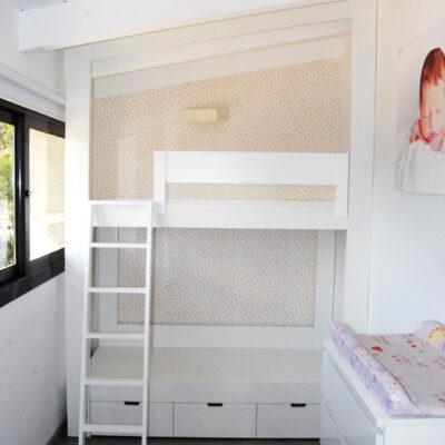 Litera enmarcada a medida para Habitación Infantil Abuhardillada | Jeny | Torrelles de Llobregat
