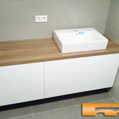 mueble baño a medida lacado brillo sobre formica madera cajon sara Terrassa