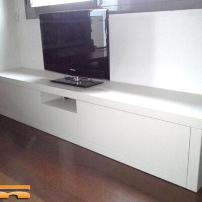mueble_salon_tv_dm_pintado_Patricia_Sant_cugat