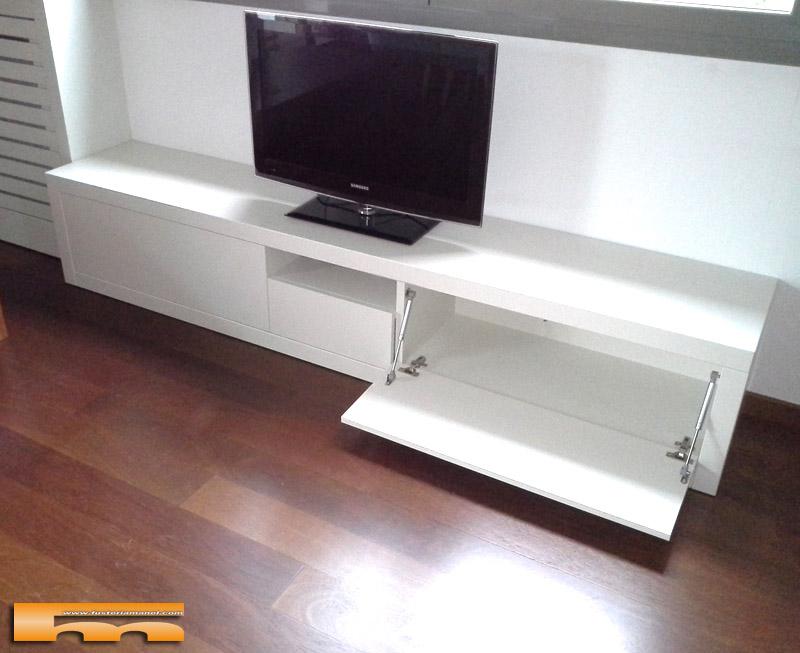 mueble_salon_tv_dm_pintado_Patricia_Sant_cugat_puertas