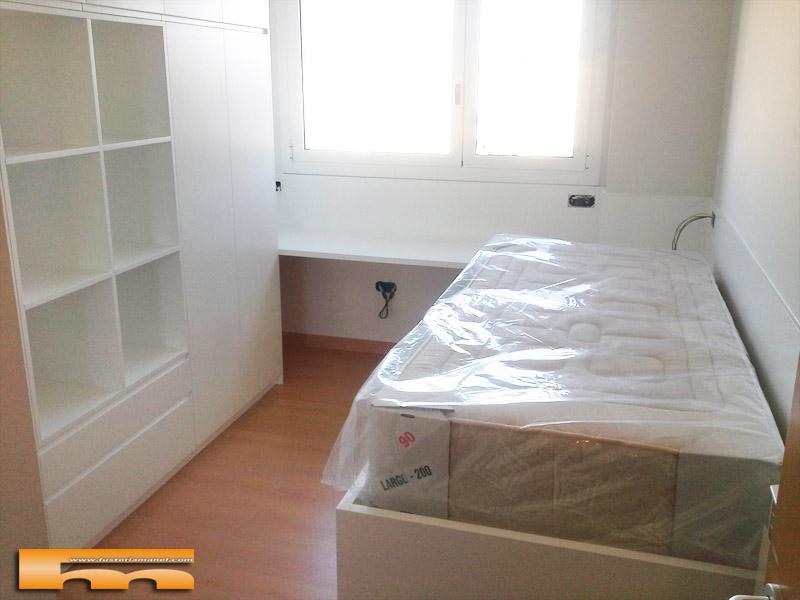 habitacion_infantil_escritorio_armario_lacado_a_medida_Olbia_Terrassa
