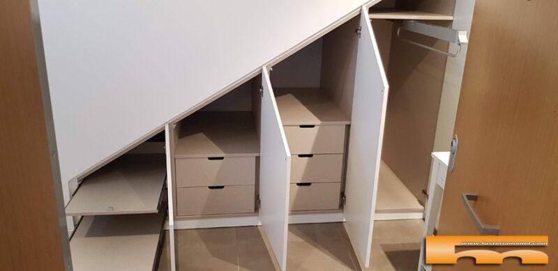armario bajoescalera lacado medida interior1 Natalia Sant Quirze del Valles