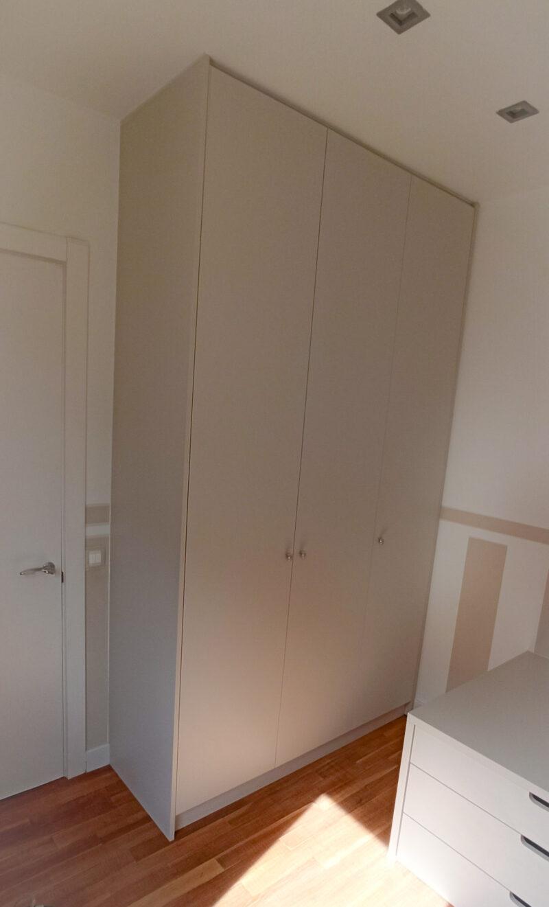 armario a medida con 2 camas compactas a medida barcelona estrella