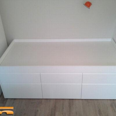 cama_compacta_a_medida_lacada_habitacion_pequeña_compartida