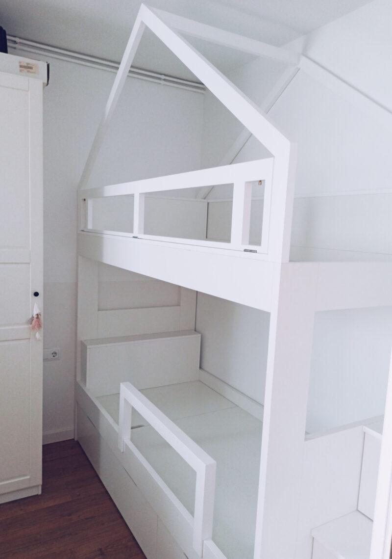 litera casita con escalera de cajones decoración a medida Alejandra Barcelona.jpg